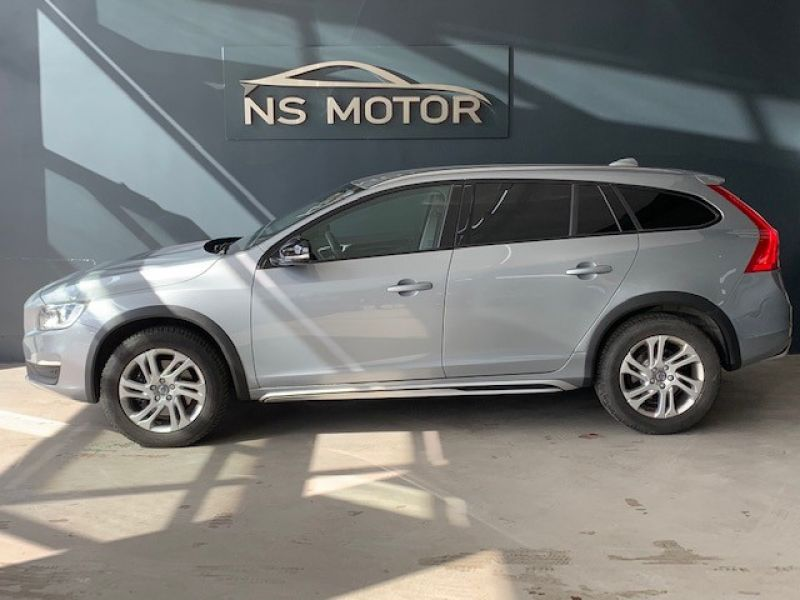 VOLVO  V60 CROSS COUNTRY D3 GEARTRONIC MOMENTUM 2.0 D3 GEARTRONIC MOMENTUM